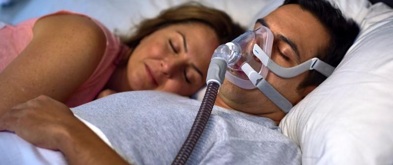 Избавиться от храпа и апноэ поможет правильное лечение